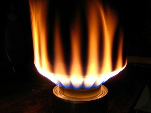 Bếp gas Malloca bị lửa đỏ