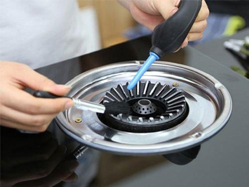 Thành Tâm với đội ngũ chuyên gia giàu kinh nghiệm hỗ trợ bạn sửa chữa bếp gas trong thời gian sớm nhất